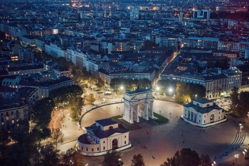 Milano traina la cresita del settore immobiliare